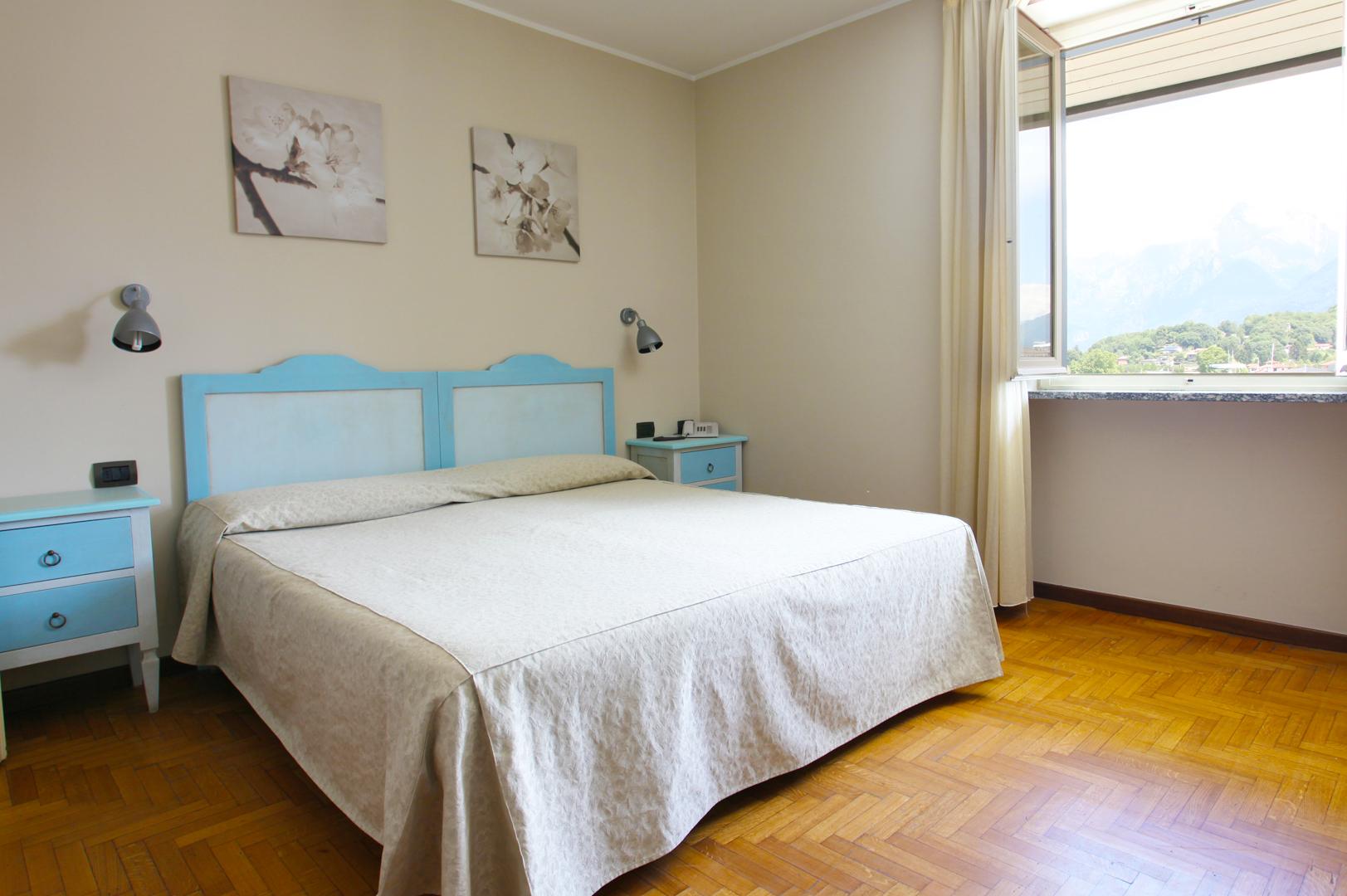 Matrimoniale / Doppia letti singoli vista lago – Hotel Risi