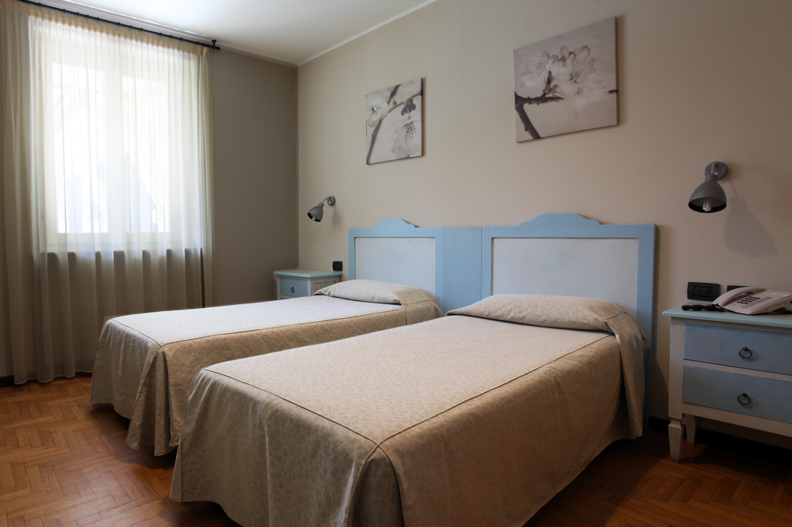 Double/Twin single beds – Hotel Risi